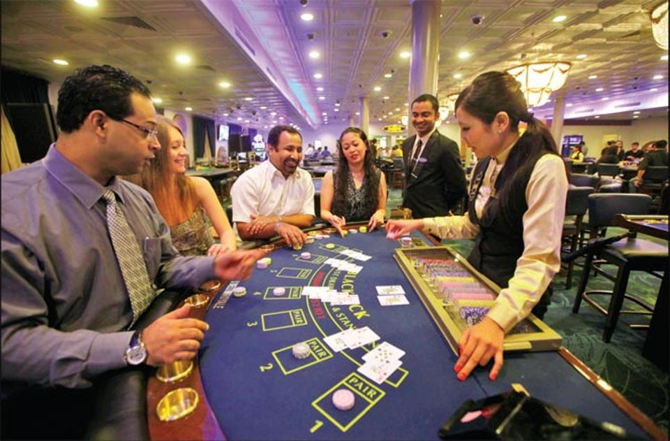 Places To Visit In Vietnam: Amazing Casinos