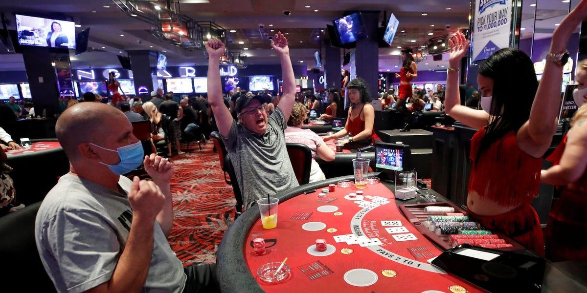 best about judi online poker
