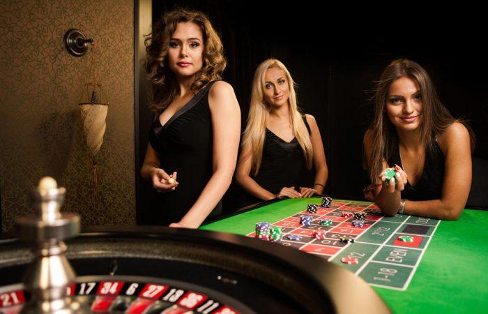 Register in the online casinos and get bonus