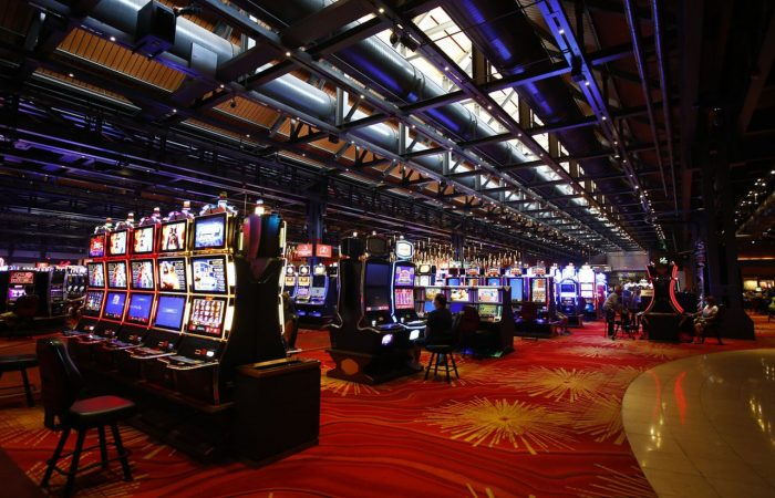 Things that Help You Make Money at Online Casinos